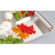 shovel picks vegetables